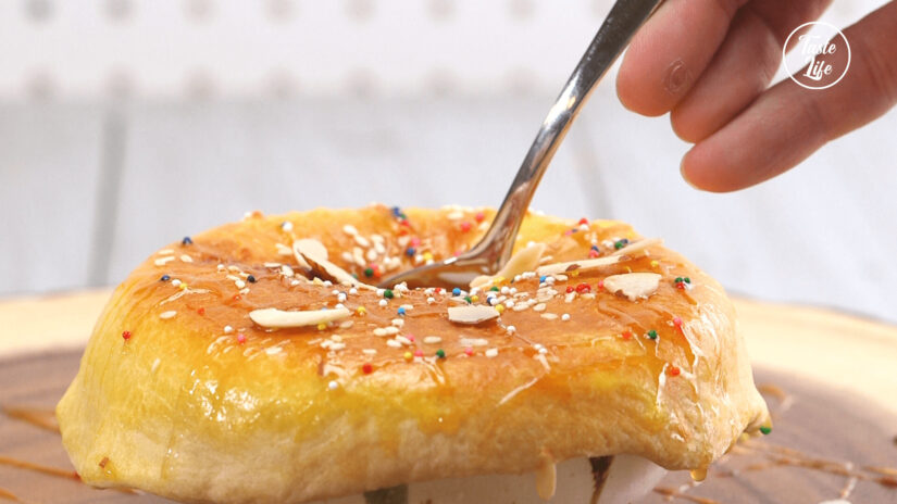 Almond Milk with Puff Pastry