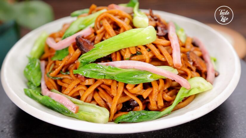 Shanghai Style Fried Noodles