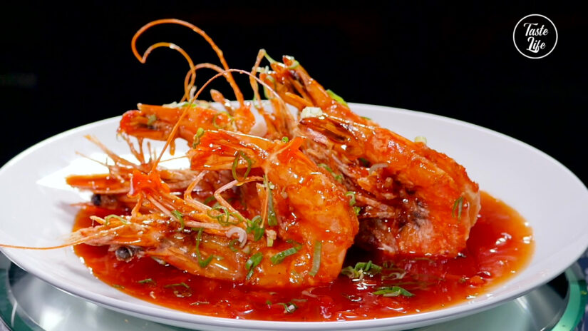 Crispy Giant Tiger Shrimp With Tomato Sauce