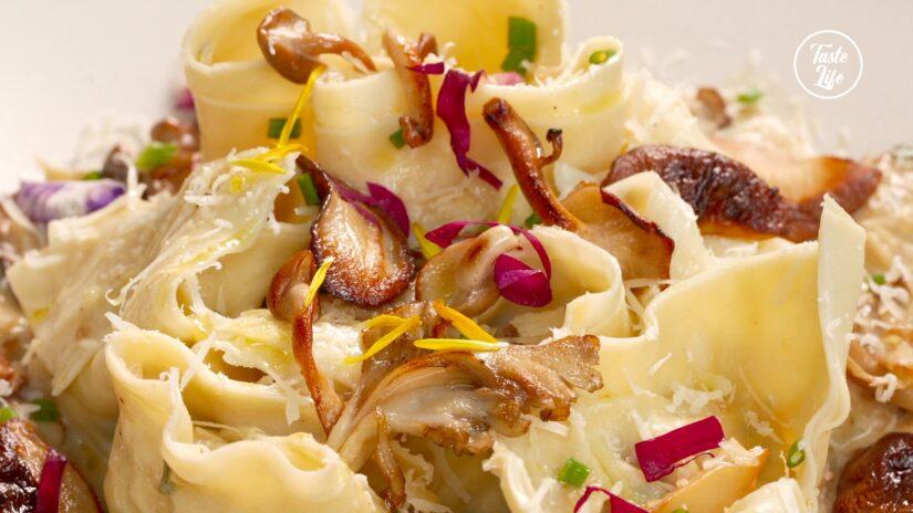 Asian-Inspired Ravioli in Creamy Mushroom Sauce
