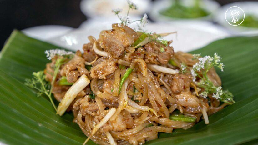 Stir-fried Noodle Thai Korat Style
