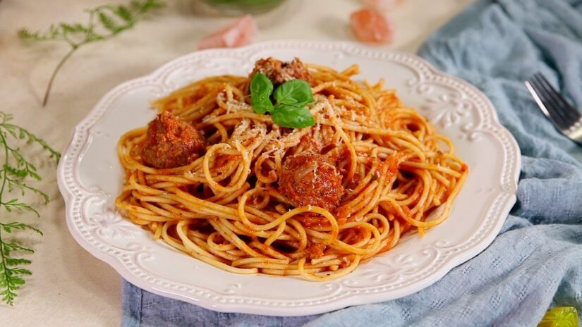 Homemade Spicy Meatballs and Spaghetti
