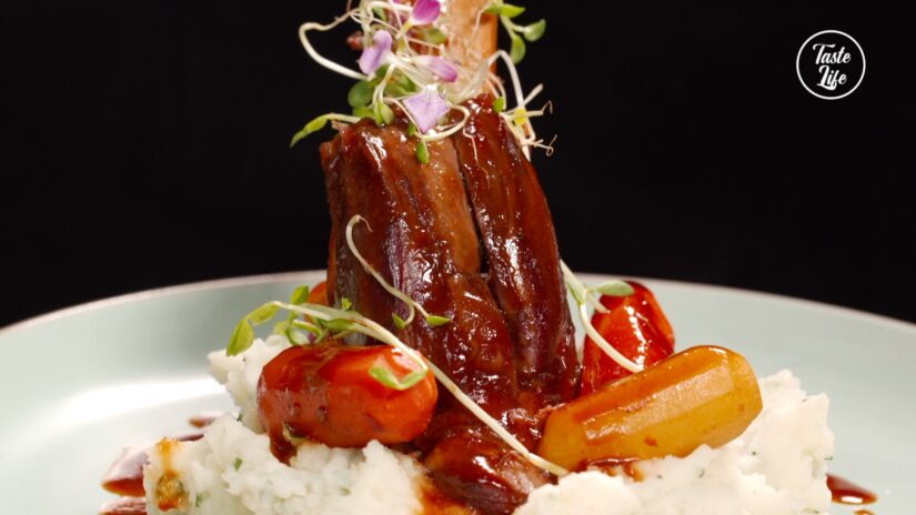 Braised Lamb Shank With Mashed Potato