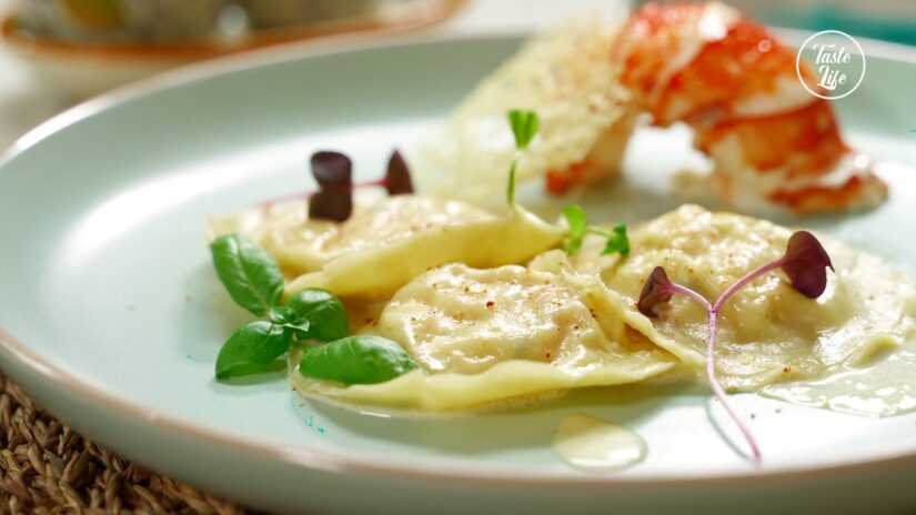 Lobster Ravioli With Creamy Lobster Sauce