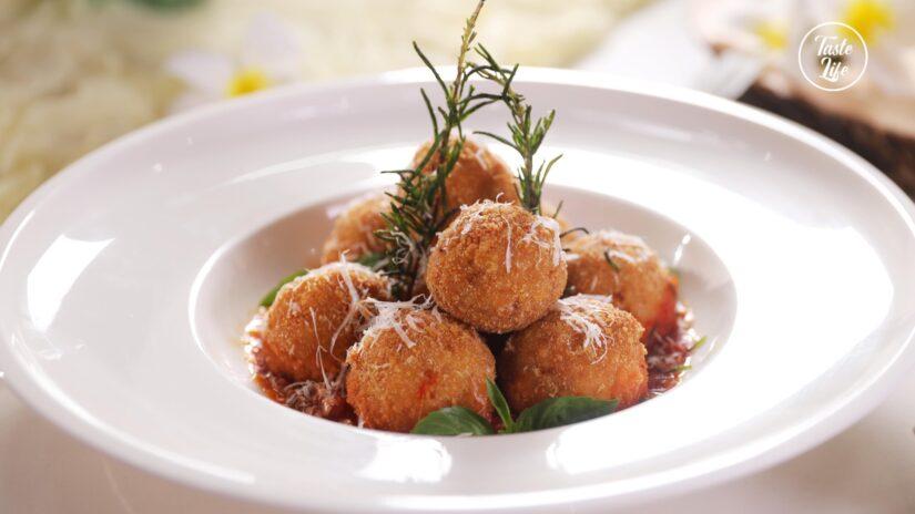 Fontina-Stuffed Arancini Bites With Basil Marinara