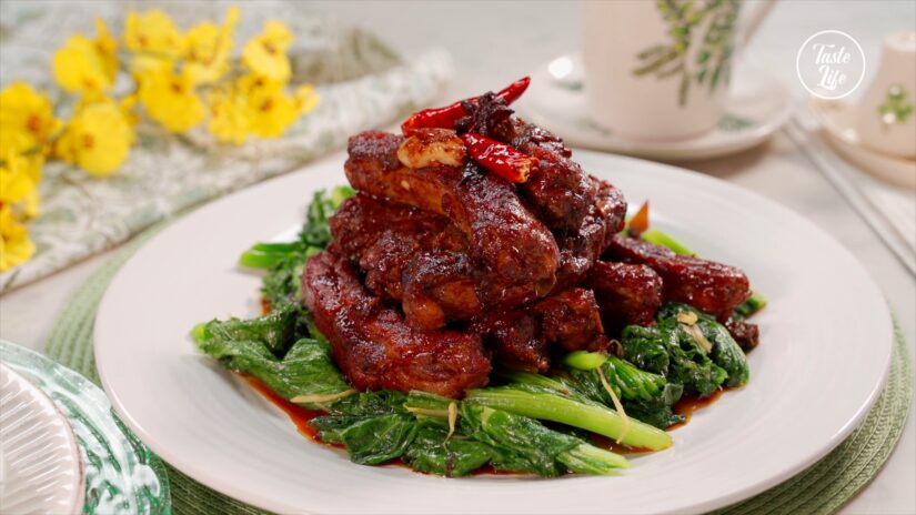 Baby Back Ribs with Sauce and Kale