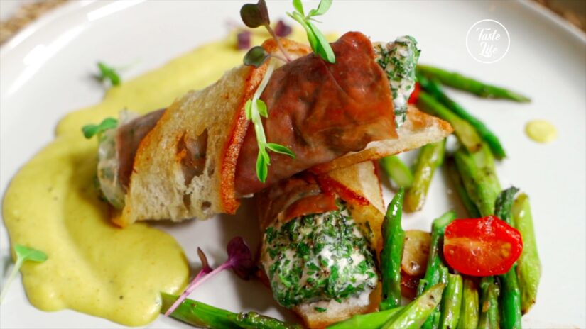 Creative Prosciutto-Wrapped Chicken Breast and Asparagus