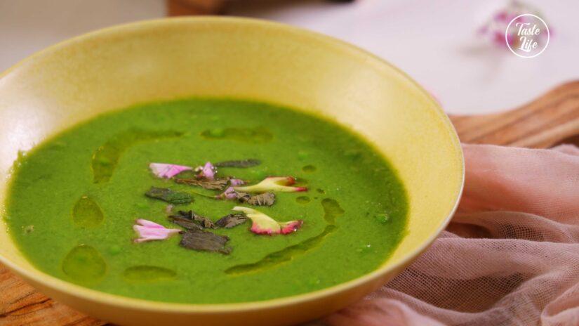 Detox Vegan Seasonal Pea soup