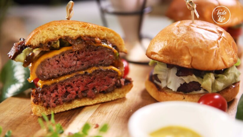 Fresh Ground Cheeseburgers With Bacon Jam